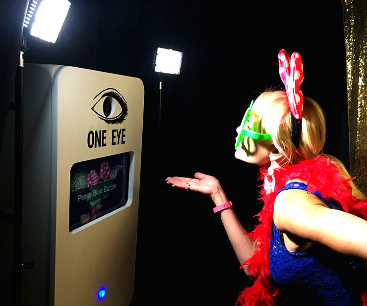 One Eye Entertainment | Photo Booths